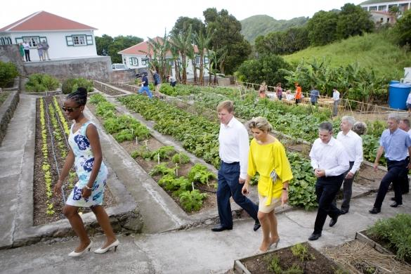 King willem  and Queen Maxima visits Saba Garden on their trip to the caribbean